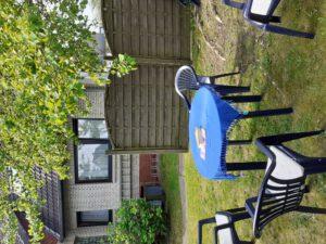 Unsere gemütliche Sitzecke im Garten vor der Fewo Budde